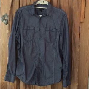 Buy 3 $5 items for $9  Gray Shirt fitted style